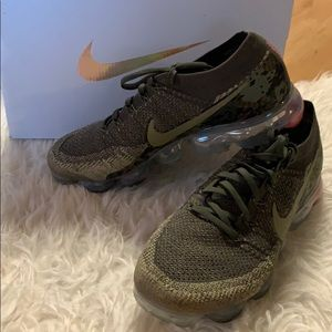 Nike Air Vapormax Flyknit Olive